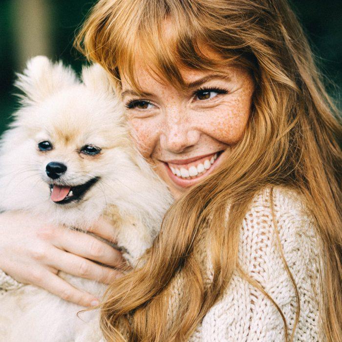 sameyeam-redhead-ginger-girl-woman-freckles-emily-vantongeren-puppy